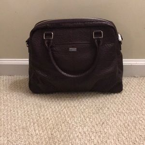Jewell By Thirty One. Come with Shoulder strap.